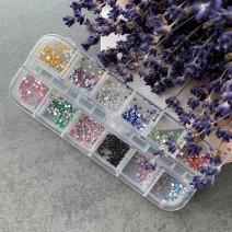 Набор страз из 12 цветов в футляре
